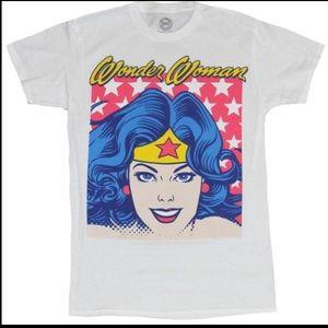 Wonder Woman Men's T-Shirt. Classic Face Stared